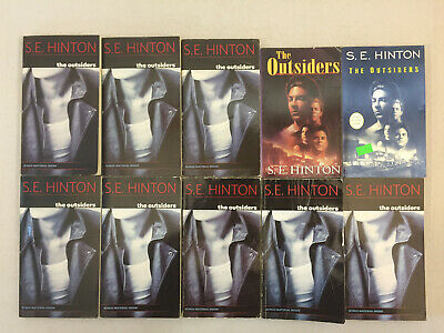 The Outsiders by S. E. Hinton Paperback Classroom Set Lot of 10 Books