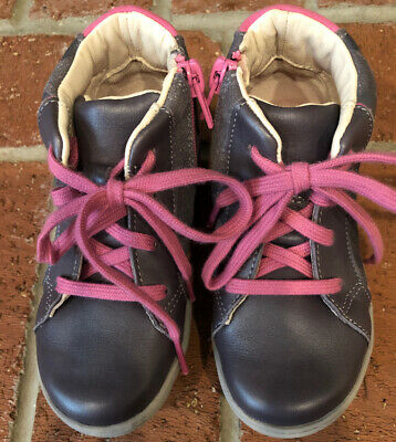 Clarks Kids First Shoes Infant/Toddler High Top Size 8 Girls