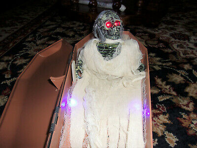 Rising Skeleton in Coffin, Haunted Music and Voice, Lights Up by PAC 2006