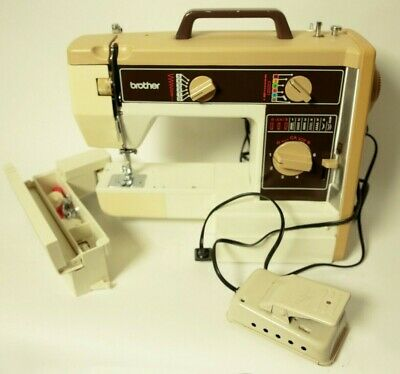 BROTHER SEWING MACHINE  VX757 ZIGZAG Pedal, and Nice Cover come with __ NICE!