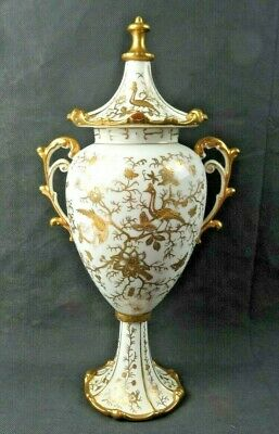 Antique German or Austrian Hand Painted Gold 14K décor Fine Porcelain urn vase