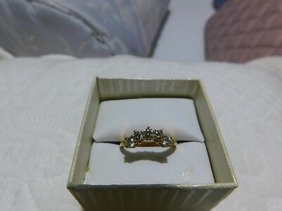 Lovely Curved Diamond Ring 5 Stone 18ct Yellow Gold