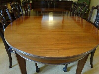 Antique Mahogany Extendable wind-out Dining Table