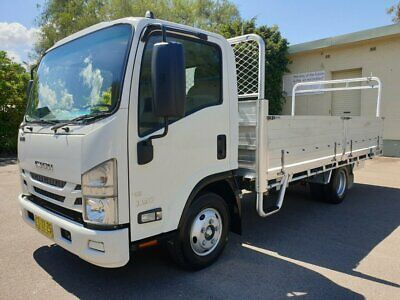 2016 Isuzu NNR 45-150 Cab Chassis White 6sp A Tray Dropside