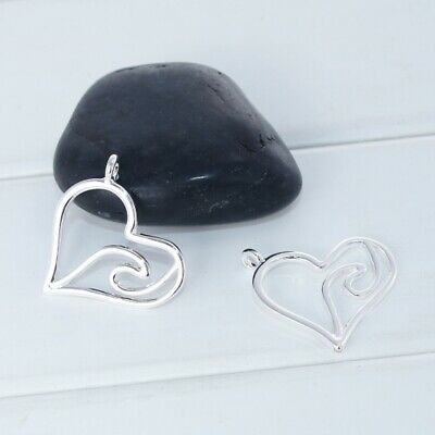 10pcs Antique Silver Jewelry Hollow Heart Look Alloy Pendants Charms Craft 05226