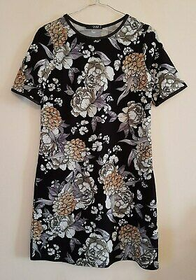Ref 664 - QUIZ - Ladies Womens Girls Black White Floral Day / Party Dress Size 8
