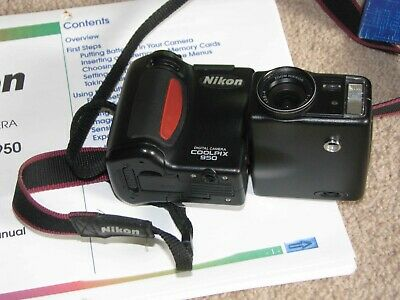 Nikon Coolpix 950 Digital Camera With Accessories