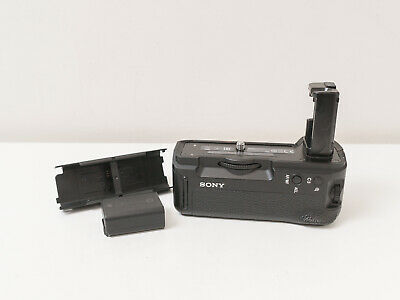 Genuine Sony VG-C2EM Battery Grip for A7II A7RII A7SII ~Excellent ~$180 use code