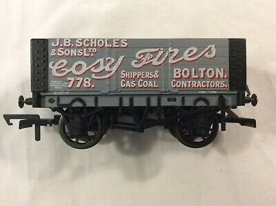 R6704 Hornby OO Gauge 7 Plank Wagon Hickleton Main Colliery Weathered by TMC