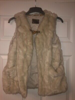 Zara Girls Faux Fur Gilet Cream Age 13-14 (small Sizing Will fit  9/10/11/12)