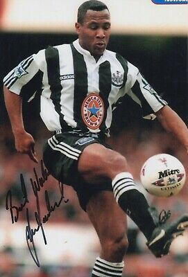 Les Ferdinand Hand Signed 12x8 Photo - Newcastle United - Football Autograph 1.