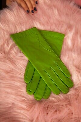 Vintage style apple green stitched  leather gloves size 7.5 by Neli