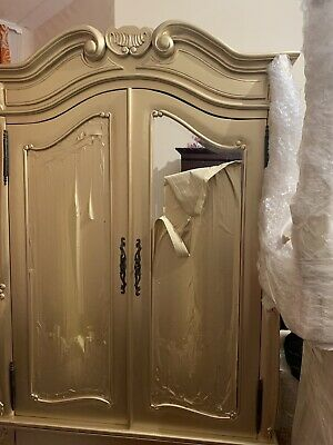 100% Solid Mahogany Wood Wardrobe Armoires Two Door Gold And One Bottom Drawer