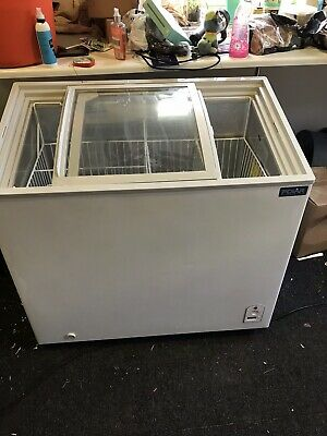 Polar Display Chest Freezer Glass Top 200 Ltr Litre Commercial Catering - CM433