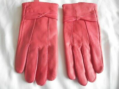 Ladies Beautiful Coral Pink Soft Leather Gloves With Bow Detail Size M!!!