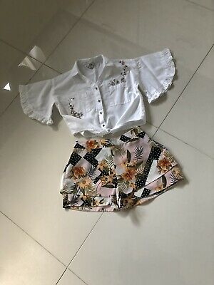 River Island Girls White Short Sleeved Shirt 7/8yrs and Floral Shorts 6yrs