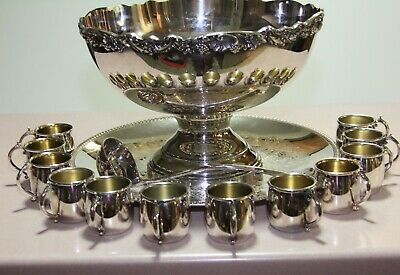 TOWLE Silverplate 2 Gallon Pedestal Punch Bowl and tray,  with 12 Cups