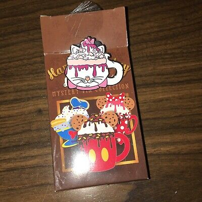 Disney Parks Happy Holidays Hot Cocoa Chocolate Mystery Marie Mug Pin Aristocat