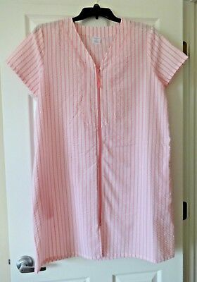 Croft and Barrow Women's woven zip-up duster robe size Medium pink