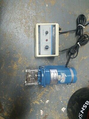COLE PARMER 7553-20 MSTERFLEX PUMP  WITH CONTROL runs