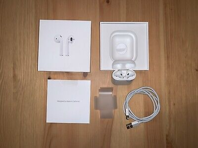 Apple AirPods 2nd Generation with Charging Case - White - Excellent Condition
