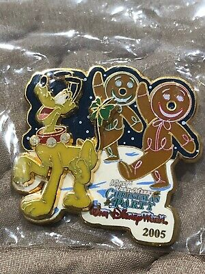 Disney Mickey's Very Merry Christmas Party 2005 Pin Pluto Gingerbread Men Le 2K