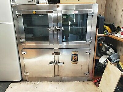 Commercial Refrigerator - working condition just needs Gas. 1503h x 1407w x 780d