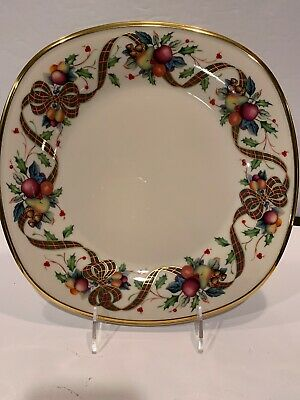 Dimension Lenox Collection Holiday Tartan Square Dinner Plate