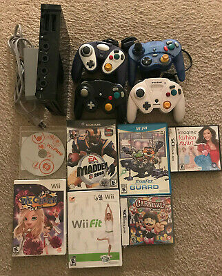 Nintendo Wii Black Console 7 Games 4 controllers