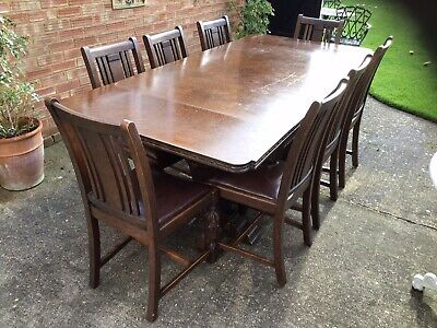 Fine Quality Solid Oak Draw Leaf Extending Dining Table With 8 Matching Chairs