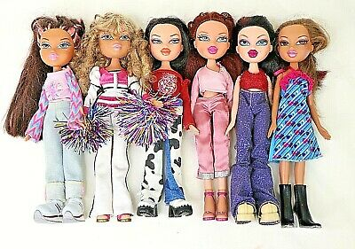 Bratz Dolls Bulk Lot of 6  MGA 2001 Clothes and Shoes For customs OOAKs  GUC