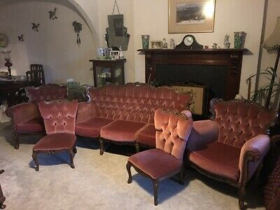 French Provincial Lounge Suite - Rose pink - 5 piece inc couch; great condition