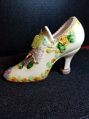 Pair of victorian porcelain collectible shoes, Vgc.
