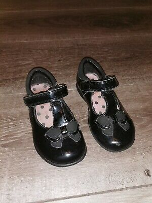 Clarks girls shoes size 7 g