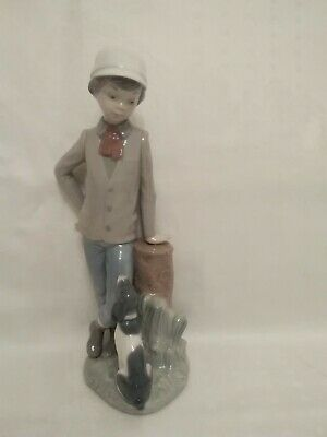 Nao/Lladro Porcelain figurine - Young boy with his dog 'Affectionate Pup'