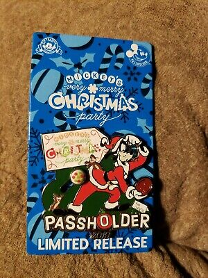 Disney Mickey's Very Merry Christmas Party 2019 Annual Passholder Goofy Pin LR