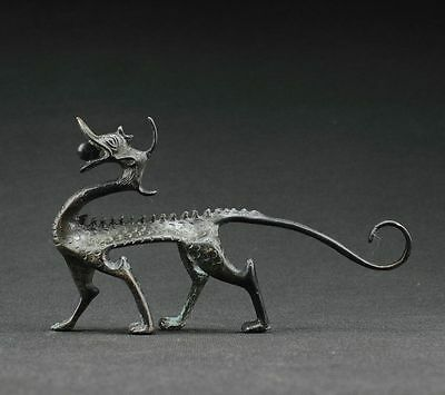China Old Collectible Decorated Handwork Bronze Carving Dragon Statue Pen Holder