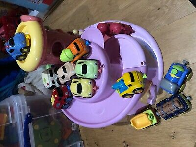 ELC whizz around pink garage with sounds, lights and 11 vehicles