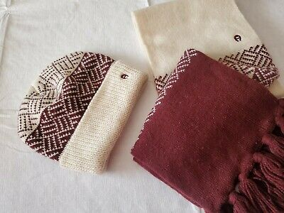 Etienne Aigner womens knit hat one size beannie and scarf set