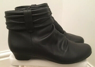 """Ladies """"CLARKS"""" Soft Black Leather 'Rucked' Ankle Boots size UK 5 E / EU 38"""