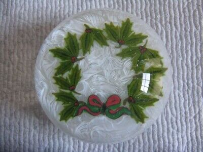 Perthshire Christmas Holly Wreath Paperweight