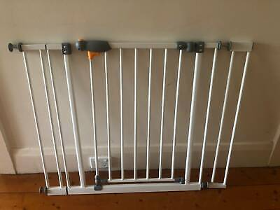 Safety Gate - Automatic Lock - Child or Pet