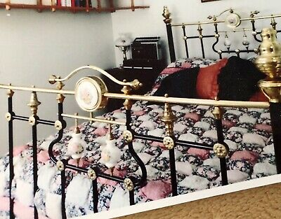 Victorian Style Double Bed & Frame/Steel & metal With Base