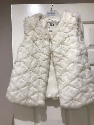 M&S White Fur Gillet Age 9-10 Girls Christmas Party
