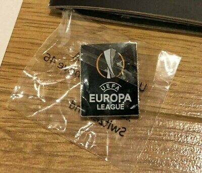 Arsenal v Eintracht Frankfurt Europa League 2019 Programme + Badge + Team Sheet