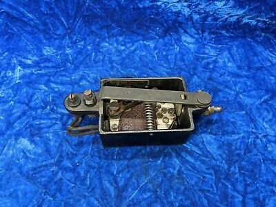 Singer Sewing Machine Motor Controller B T 7 128 For Bentwood Case Knee Lever
