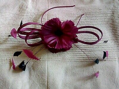 Lovely JACQUES VERT wine feather fascinator on headband *wedding/occasion*