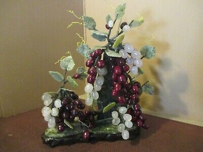 NOS Chinese Carved Jade Sculpture Grapes Vine 20th Century Great Craftsmanship
