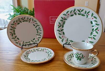 New Lenox Holiday China Gold 5 Piece Place Setting (s) Holly With Gold Trim 🎄