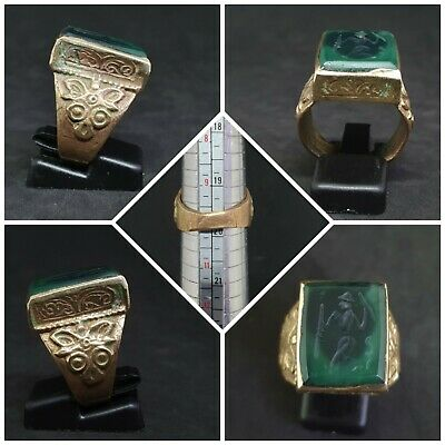 Beautiful Gold Gilded Old Ring With Stunning green Jade king intaglio stone #